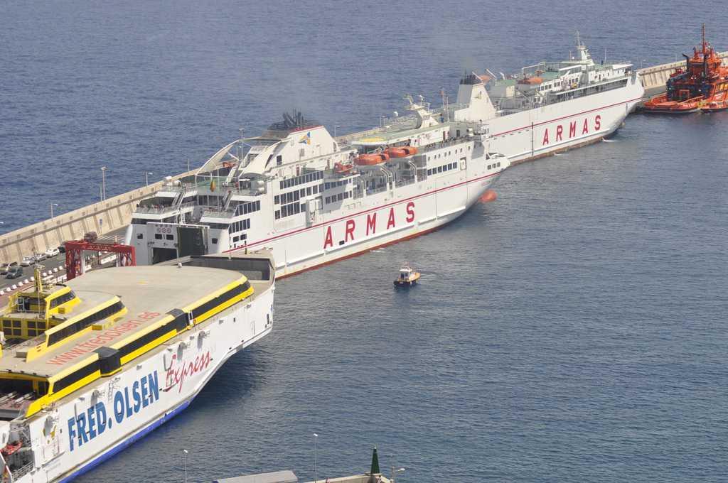 Curbelo dice que el transporte es servicio esencial en - Transporte entre islas canarias ...