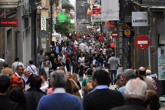 Calle del Castillo, en la capital tinerfeña, la zona de pequeños comercios por excelencia./M.E./