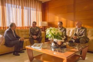 Un momento del encuentro en el despacho del Presidente del Cabildo de La Gomera
