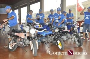 Miembros del Club Honda 70 de La Gomera