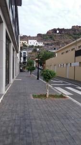 Calle trasera al Centro de Salud de Playa de Santiago