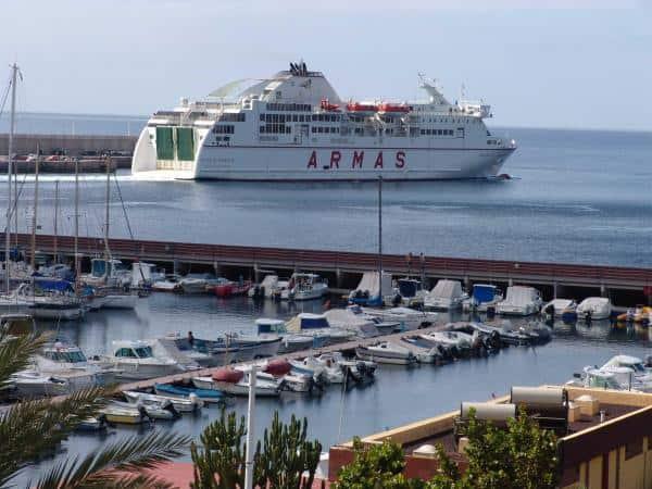 Ferry de Naviera Armas