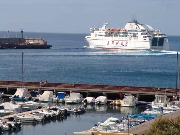 puerto-de-san-sebastián-naviera-armas_0
