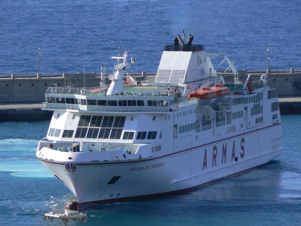 Horarios de los buques de naviera armas en sus conexiones for Horario oficina naviera armas las palmas