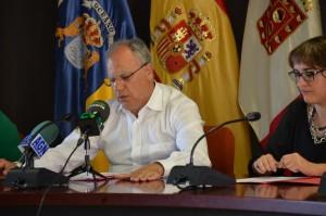 Casimiro Curbelo durante la rueda de prensa