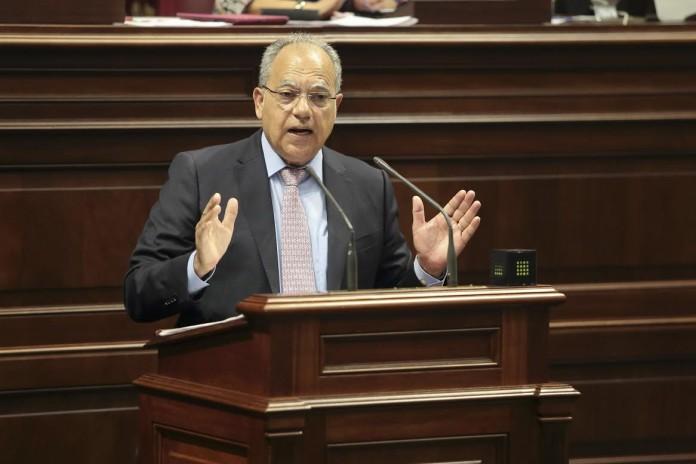 Resultado de imagen de casimiro curbelo en el parlamento
