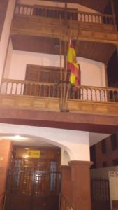 Bandera a media asta en la Dirección de la Administración del Estado en La Gomera este martes, 20 de diciembre