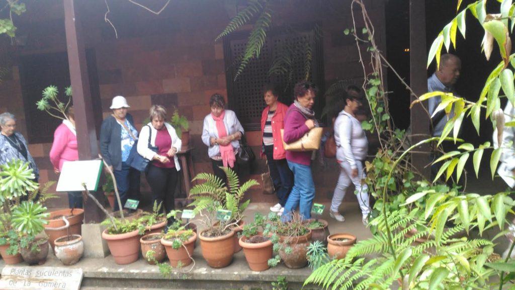 Durante su visita al Centro de Visitantes de Juego de Bolas