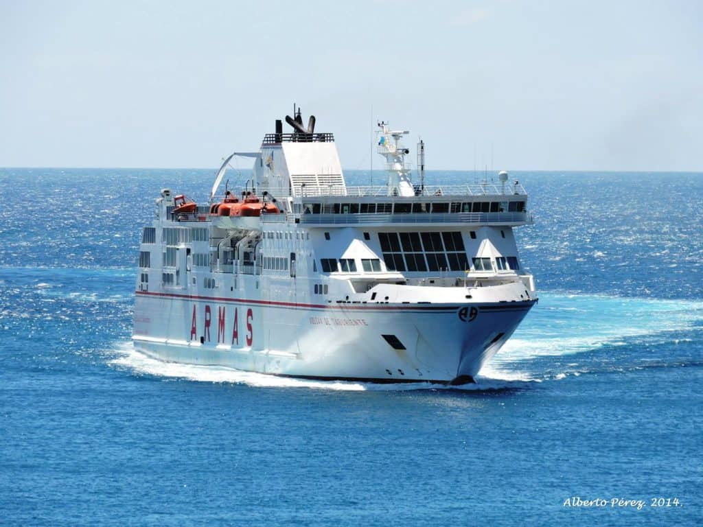 Horarios de naviera armas para sus buques con escala en la for Horario oficina naviera armas las palmas