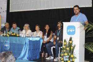 El presidente del Partido Popular en Canarias, Asier Antona, durante su intervención en el congreso insular del PP./Sofía Brito (EFE)