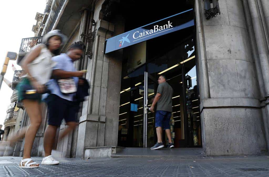 Caixabank celebra ma ana un consejo para sacar su sede for Oficinas caixa bilbao