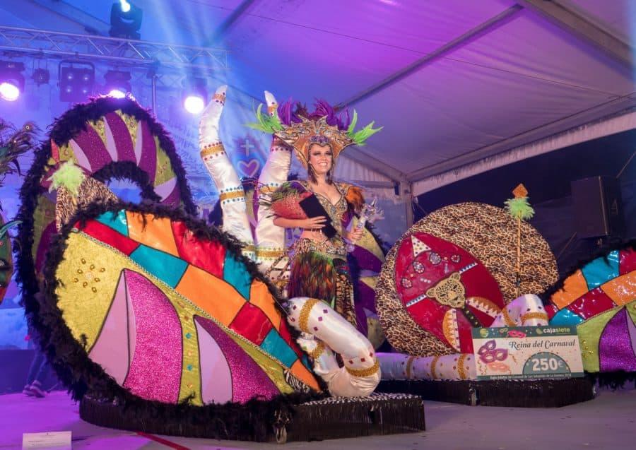 Encantador Cómo Vestir Para Fiestas Temáticas Carnaval Adorno ...