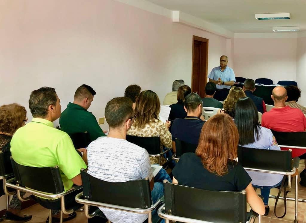 El Cabildo presenta las bases para las ayudas destinadas a los empresarios de Playa de Santiago afectados por las obras de la Avenida Marítima